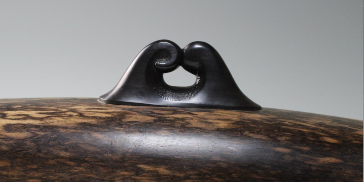 アートな置物 黒柿 暁 井波彫刻・彫刻体験の谷口信夫工房